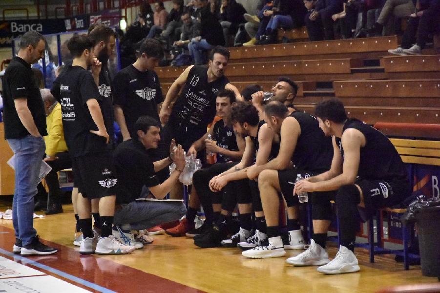 https://www.basketmarche.it/immagini_articoli/24-03-2019/basket-todi-regola-orvieto-vola-fiducia-playoff-600.jpg