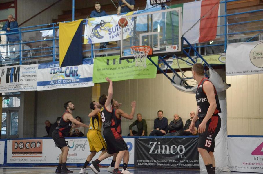 https://www.basketmarche.it/immagini_articoli/24-03-2019/niente-fare-perugia-basket-campo-sutor-montegranaro-600.jpg
