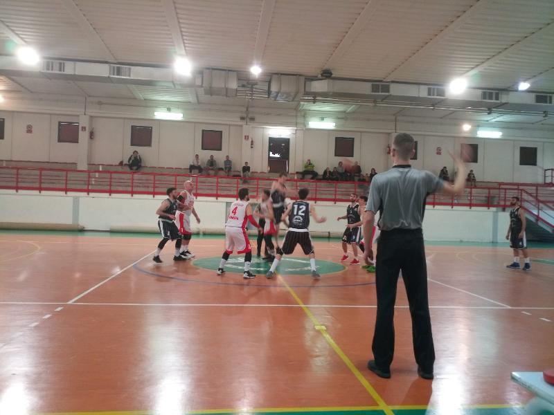 https://www.basketmarche.it/immagini_articoli/24-03-2019/regionale-live-girone-umbria-risultati-domenica-ritorno-tempo-reale-600.jpg