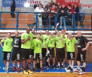 https://www.basketmarche.it/immagini_articoli/24-04-2018/prima-divisione-playoff-gara-3-il-new-basket-jesi-supera-la-pallacanestro-acqualagna-270.jpg