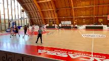 https://www.basketmarche.it/immagini_articoli/24-04-2021/teramo-spicchi-supera-finale-chieti-basket-120.png