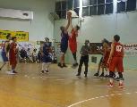https://www.basketmarche.it/immagini_articoli/24-05-2018/promozione-playoff-finali-gara-1i-pcn-pesaro-superano-la-pallacanestro-senigallia-giovani-120.jpg