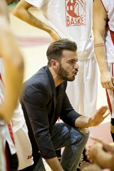 https://www.basketmarche.it/immagini_articoli/24-05-2019/sacrata-porto-potenza-coach-ramini-stata-stagione-veramente-sfortunata-600.jpg