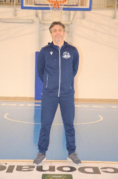 https://www.basketmarche.it/immagini_articoli/24-05-2021/aquilano-coach-laurentiis-vinta-partita-facile-adesso-testa-derby-vasto-600.jpg