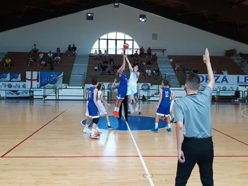 https://www.basketmarche.it/immagini_articoli/24-06-2019/finali-nazionali-under-resoconto-giornata-bene-pesaro-treviso-bassano-varese-600.jpg