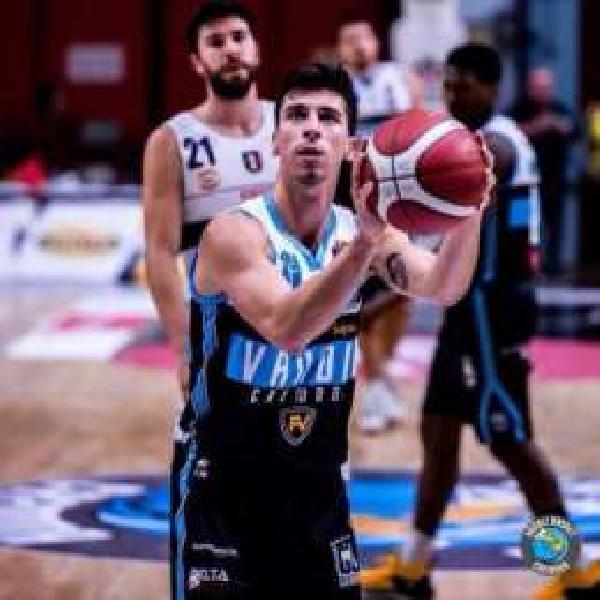 https://www.basketmarche.it/immagini_articoli/24-06-2020/pallacanestro-varese-supera-trieste-corsa-michele-ruzzier-inserisce-anche-pesaro-600.jpg