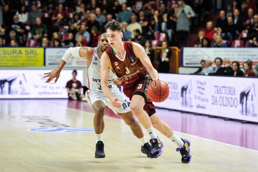 https://www.basketmarche.it/immagini_articoli/24-06-2020/ufficiale-davide-casarin-parte-prima-squadra-reyer-venezia-prossima-stagione-600.jpg