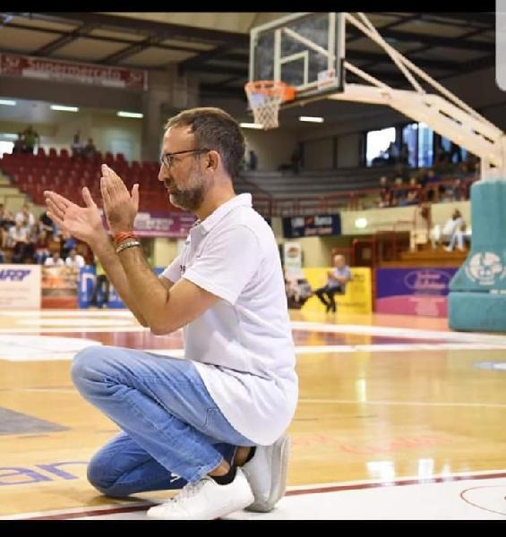 https://www.basketmarche.it/immagini_articoli/24-06-2021/ufficiale-alessandro-valli-allenatore-montemarciano-600.jpg