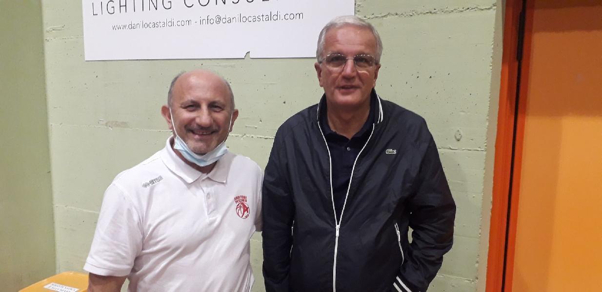 https://www.basketmarche.it/immagini_articoli/24-06-2021/ufficiale-amatori-pescara-coach-renato-castorina-insieme-anche-prossima-stagione-600.jpg