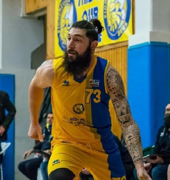 https://www.basketmarche.it/immagini_articoli/24-07-2021/colpaccio-montemarciano-ufficiale-arrivo-esterno-andrea-maggiotto-600.jpg