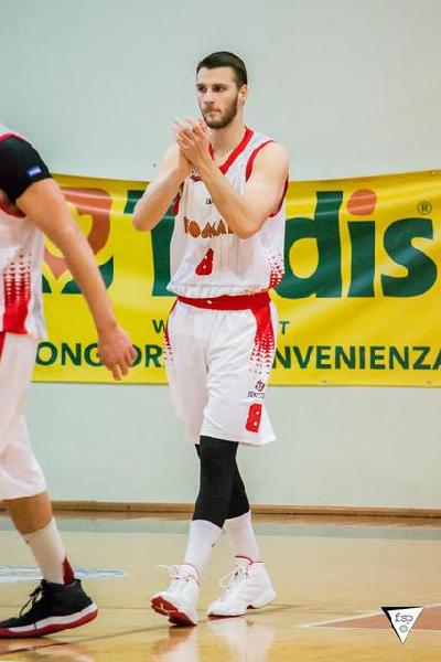 https://www.basketmarche.it/immagini_articoli/24-08-2018/serie-c-gold-il-perugia-basket-saluta-alberto-provvidenza-che-firma-con-ceglie-600.jpg