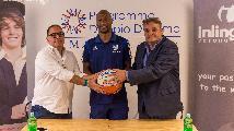 https://www.basketmarche.it/immagini_articoli/24-08-2019/tezenis-verona-presentato-kenny-hasbrouck-verona-stupenda-team-concentrato-obiettivo-120.jpg