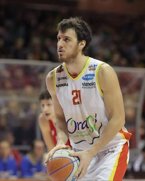 https://www.basketmarche.it/immagini_articoli/24-08-2021/colpo-wispone-taurus-jesi-basket-lugo-arriva-elia-bravi-600.jpg