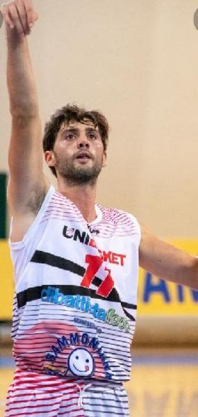 https://www.basketmarche.it/immagini_articoli/24-08-2021/ufficiale-olimpia-mosciano-firma-esterno-fabio-eustachio-600.jpg
