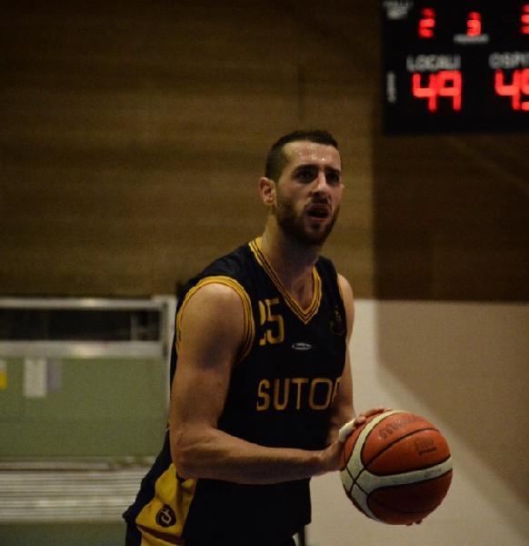 https://www.basketmarche.it/immagini_articoli/24-09-2018/serie-silver-pallacanestro-recanati-chiude-botto-proprio-mercato-ufficiale-ultimo-acquisto-600.jpg