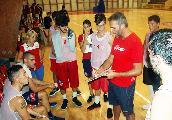 https://www.basketmarche.it/immagini_articoli/24-09-2018/serie-silver-teramo-spicchi-coach-simone-stirpe-preseason-utile-capire-quest-anno-dura-120.jpg