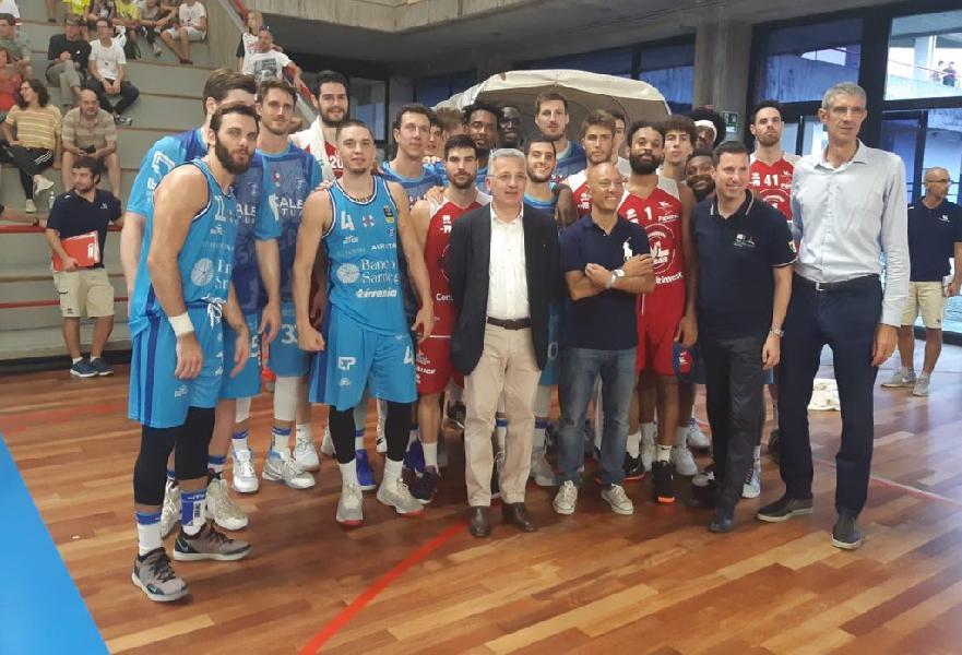 https://www.basketmarche.it/immagini_articoli/24-09-2018/serie-vuelle-pesaro-dinamo-sassari-vince-solidariet-genova-cuore-600.jpg