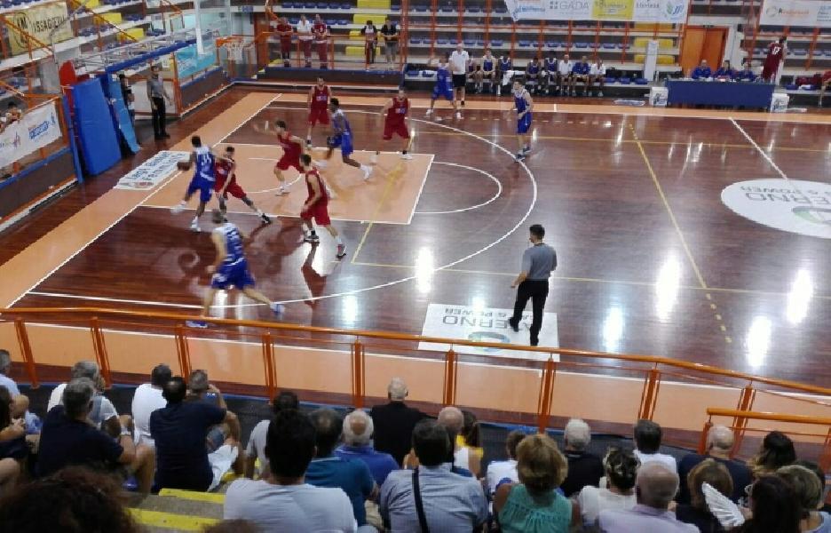 https://www.basketmarche.it/immagini_articoli/24-09-2018/trofeo-unibasket-roseto-sharks-superano-ottima-unibasket-pescara-vincono-torneo-600.jpg