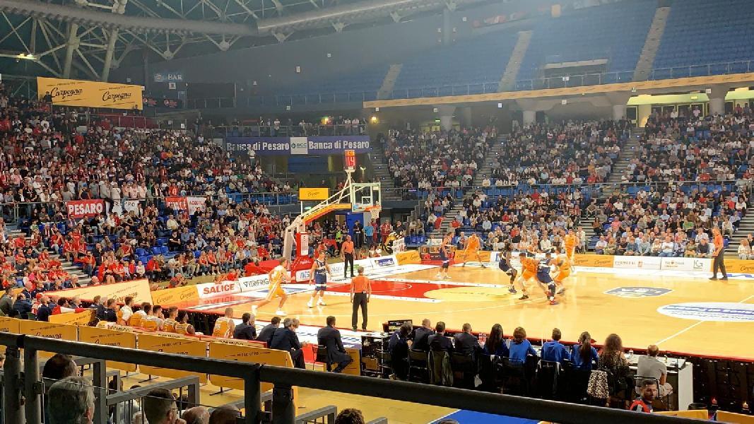 https://www.basketmarche.it/immagini_articoli/24-09-2019/carpegna-prosciutto-pesaro-paga-brutto-quarto-fortitudo-bologna-passa-vitrifrigo-arena-600.jpg