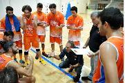 https://www.basketmarche.it/immagini_articoli/24-09-2019/pisaurum-pesaro-chiuso-precampionato-test-loreto-parole-coach-surico-120.jpg