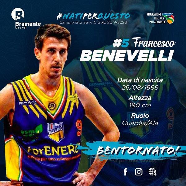 https://www.basketmarche.it/immagini_articoli/24-09-2019/ufficiale-esterno-francesco-benevelli-bramante-pesaro-600.jpg