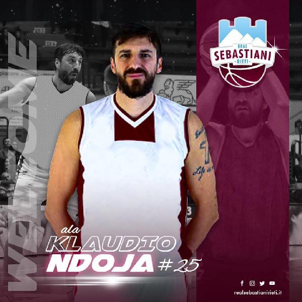 https://www.basketmarche.it/immagini_articoli/24-09-2020/colpaccio-adesso-ufficiale-klaudio-ndoja-giocatore-real-sebastiani-rieti-600.jpg