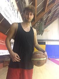 https://www.basketmarche.it/immagini_articoli/24-10-2017/promozione-b-quattro-chiacchiere-con-giulio-gabellini-punto-di-forza-della-vuelle-pesaro-a-270.jpg
