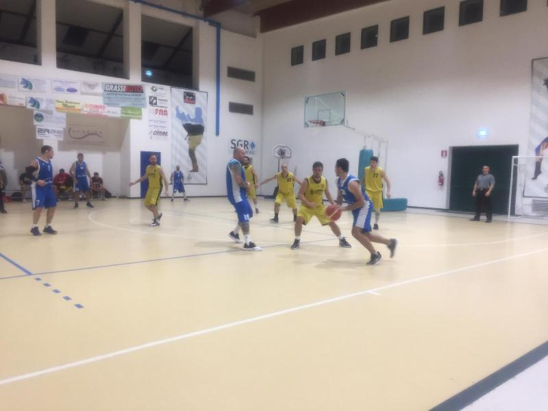 https://www.basketmarche.it/immagini_articoli/24-11-2018/netta-vittoria-basket-montefeltro-carpegna-adriatica-trashmen-pesaro-600.jpg