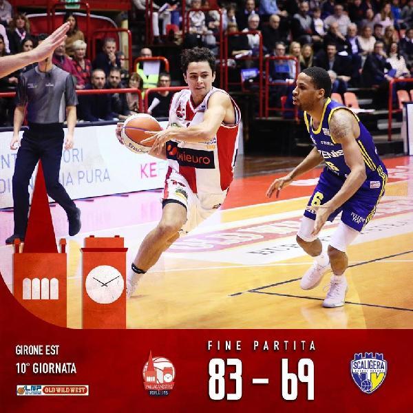 https://www.basketmarche.it/immagini_articoli/24-11-2019/tezenis-verona-sconfitta-campo-unieuro-forl-600.jpg