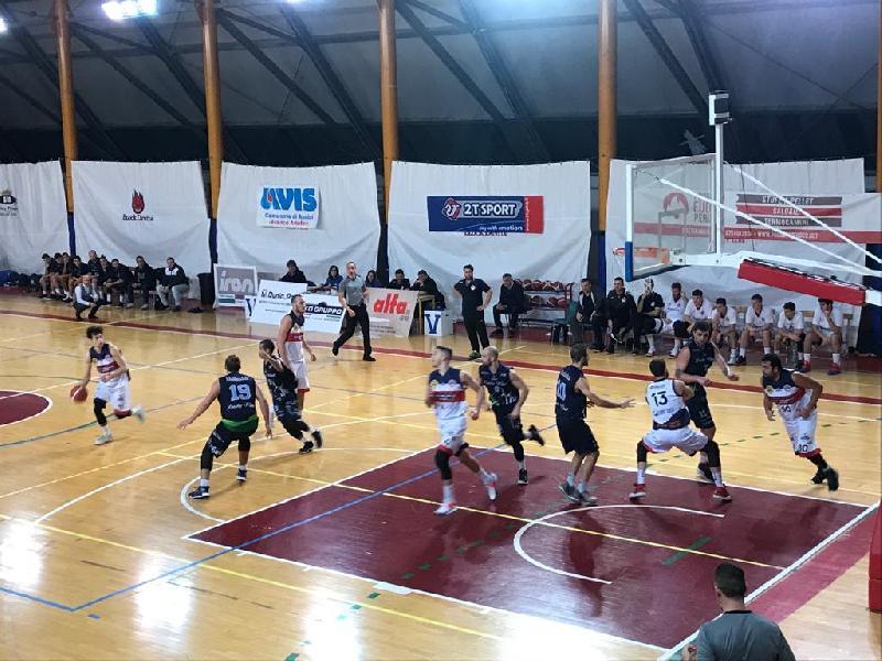 https://www.basketmarche.it/immagini_articoli/24-11-2019/virtus-assisi-sciupona-arrende-derby-foligno-dopo-supplementare-600.jpg