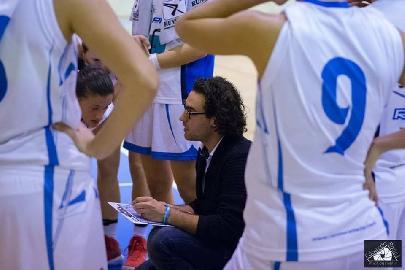https://www.basketmarche.it/immagini_articoli/24-12-2017/serie-a2-femminile-la-feba-civitanova-sconfitta-a-san-giovanni-valdarno-270.jpg