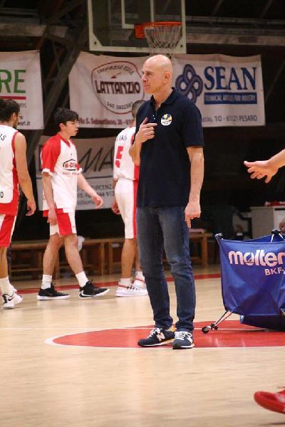 https://www.basketmarche.it/immagini_articoli/24-12-2019/loreto-pesaro-coach-mancini-siamo-giocata-forti-peccato-liberi-palle-perse-600.jpg