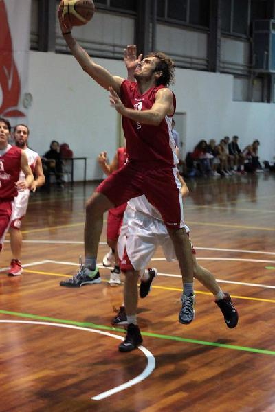 https://www.basketmarche.it/immagini_articoli/25-01-2020/adriatico-ancona-supera-montemarciano-vittoria-600.jpg