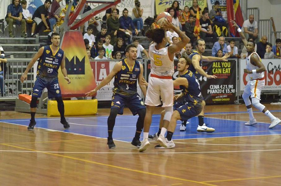 https://www.basketmarche.it/immagini_articoli/25-01-2020/giulianova-basket-cerca-riscatto-campo-sutor-montegranaro-600.jpg
