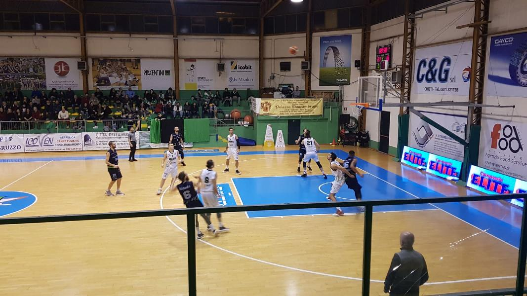 https://www.basketmarche.it/immagini_articoli/25-01-2020/super-samija-trascina-magic-basket-cheti-vittoria-capolista-lucky-wind-foligno-600.jpg