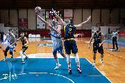 https://www.basketmarche.it/immagini_articoli/25-01-2021/janus-fabriano-ottima-sutor-montegranaro-passa-volata-pala-guerrieri-120.jpg