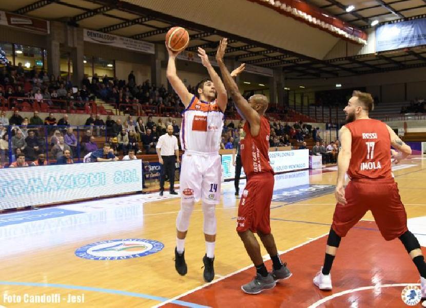 https://www.basketmarche.it/immagini_articoli/25-02-2019/aurora-jesi-cede-matteo-santucci-pallacanestro-palestrina-600.jpg