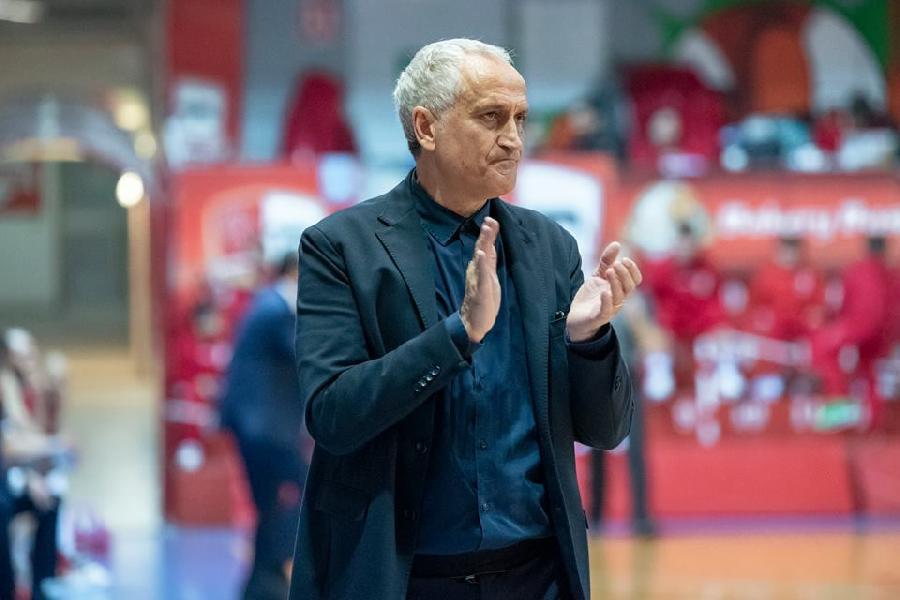 https://www.basketmarche.it/immagini_articoli/25-02-2019/poderosa-montegranaro-coach-pancotto-siamo-ospiti-questa-zona-classifica-grande-merito-600.jpg