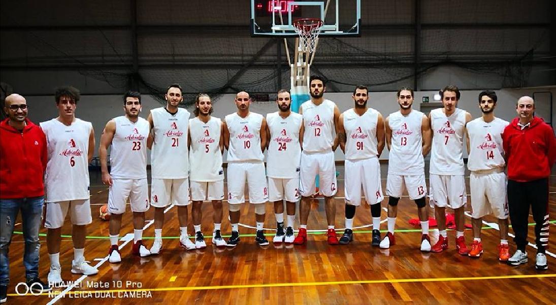 https://www.basketmarche.it/immagini_articoli/25-03-2019/adriatico-ancona-vince-derby-orsal-ancona-chiude-posto-600.jpg