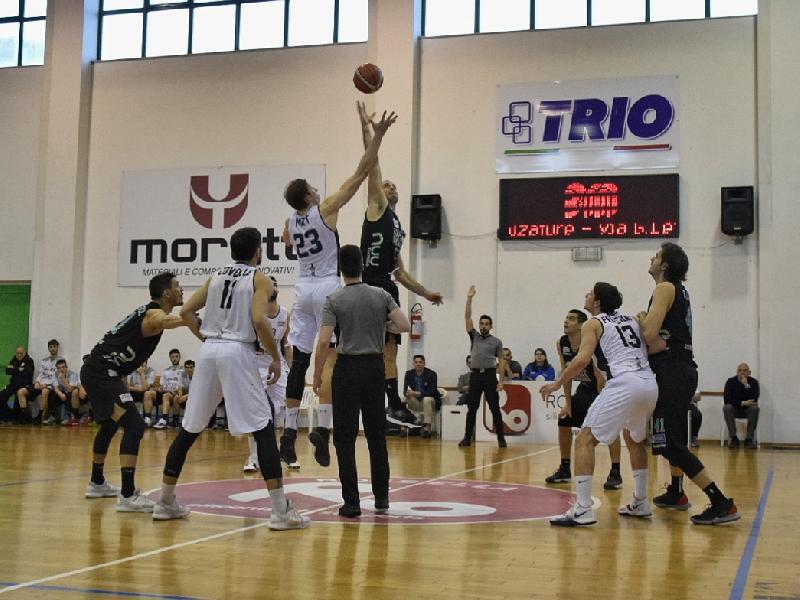 https://www.basketmarche.it/immagini_articoli/25-03-2019/virtus-civitanova-subisce-terzo-stop-fila-derby-campetto-ancona-600.jpg