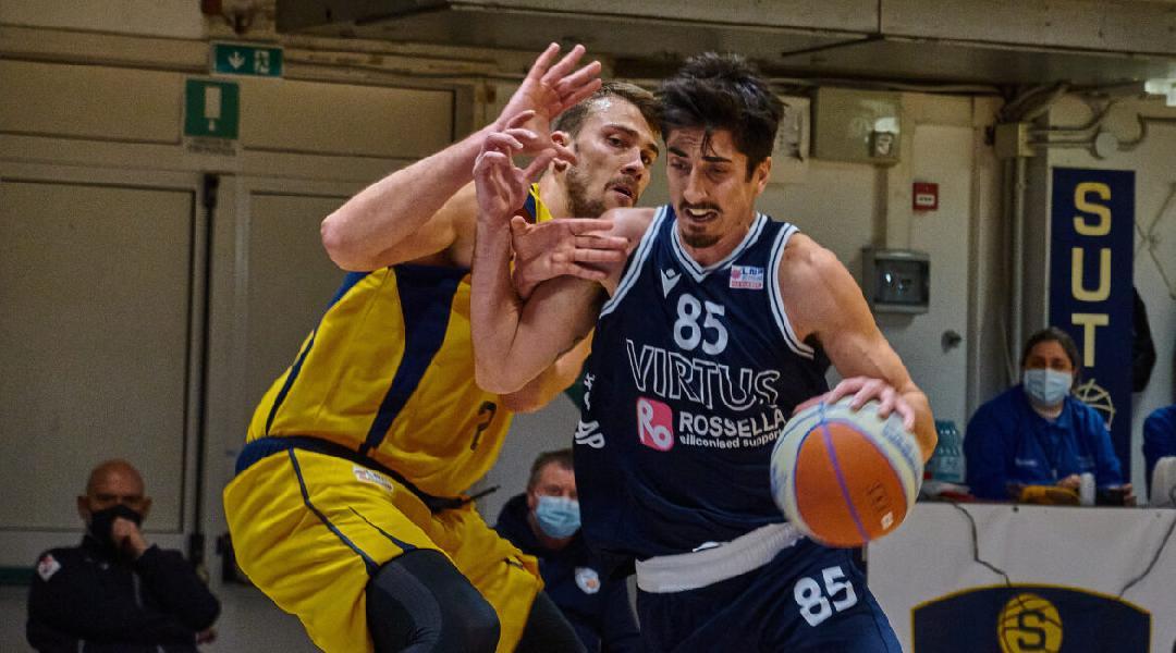 https://www.basketmarche.it/immagini_articoli/25-03-2021/virtus-civitanova-tommaso-milani-ferma-nuovamente-infortunio-muscolare-600.jpg