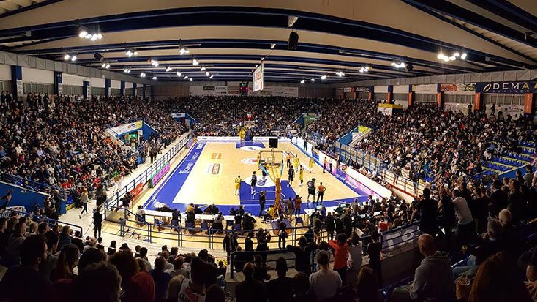 https://www.basketmarche.it/immagini_articoli/25-04-2020/contatto-poderosa-montegranaro-teate-basket-chieti-cessione-titolo-vista-600.jpg