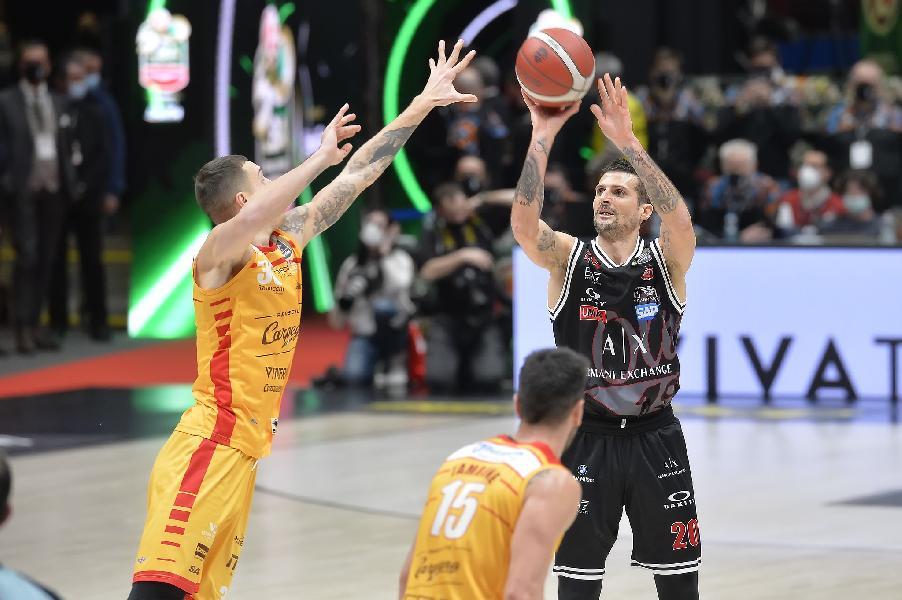https://www.basketmarche.it/immagini_articoli/25-04-2021/milano-coach-messina-pesaro-giocare-umilt-coesione-dispiaciuto-infortunio-delfino-600.jpg