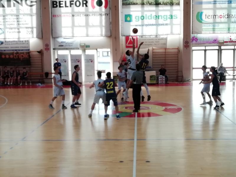 https://www.basketmarche.it/immagini_articoli/25-05-2019/under-regionale-chiude-secondo-posto-stagione-basket-fermo-600.jpg
