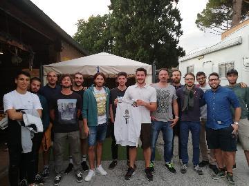 https://www.basketmarche.it/immagini_articoli/25-06-2018/d-regionale-il-mercato-dell-upr-montemarciano-prosegue-con-il-botto-dall-aesis-jesi-arriva-roberto-mosca-270.jpg