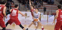 https://www.basketmarche.it/immagini_articoli/25-06-2019/luciana-mosconi-ancona-conferma-ufficialmente-simone-centanni-120.jpg