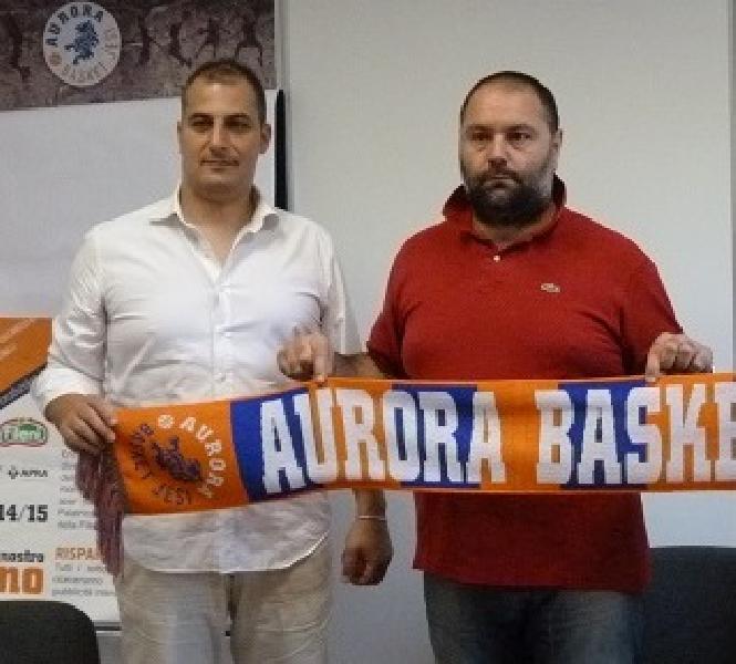 https://www.basketmarche.it/immagini_articoli/25-06-2019/separano-dopo-stagioni-strade-aurora-jesi-federico-ligi-600.jpg