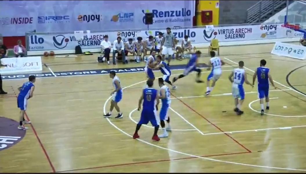 https://www.basketmarche.it/immagini_articoli/25-06-2021/gold-spareggio-brutta-virtus-molfetta-perde-andata-campo-pallacanestro-salerno-600.jpg