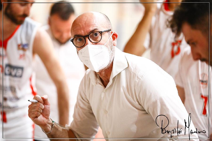 https://www.basketmarche.it/immagini_articoli/25-06-2021/ufficiale-teramo-spicchi-coach-giorgio-salvemini-insieme-anche-prossima-stagione-600.jpg