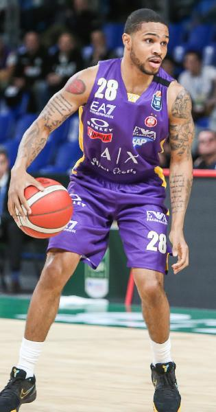 https://www.basketmarche.it/immagini_articoli/25-07-2020/happy-casa-brindisi-difficile-trattativa-avellino-milano-keyfer-sykes-600.jpg